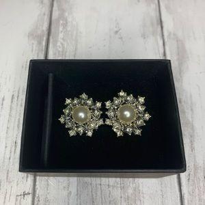 Vintage '68 Sarah Coventry Snowflake Pearl Earring
